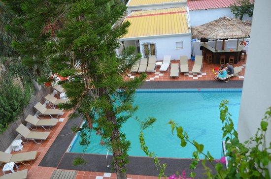 Kastro Beach Apartments: pool area