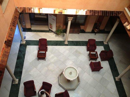 NH Granada Centro: La hall