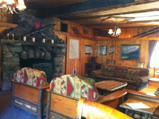 تاماراك لودج ريزورت: Ok, inside the Lodge area