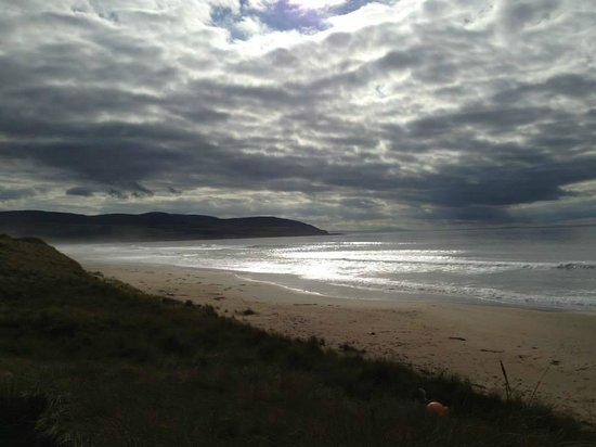 Machrihanish Dunes Golf Club: by the 7th, by the Sea