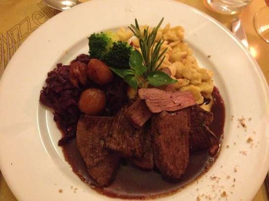 Maruzzella : Deer filet with roasted chestnuts