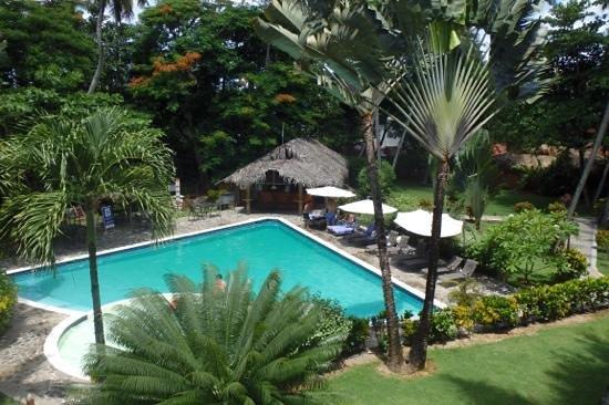 La Residencia del Paseo: jardin tropical, piscine et bar