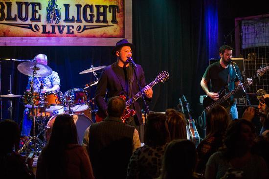 Lubbock, TX: Blue Light Live