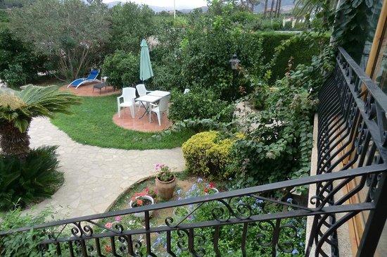 Villa Florencia Casa Rural Gandia: vista dall'ingresso della struttura