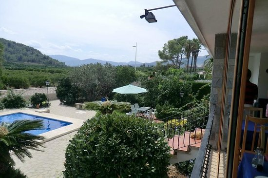 Villa Florencia Casa Rural Gandia: vista dalla veranda dove si mangia