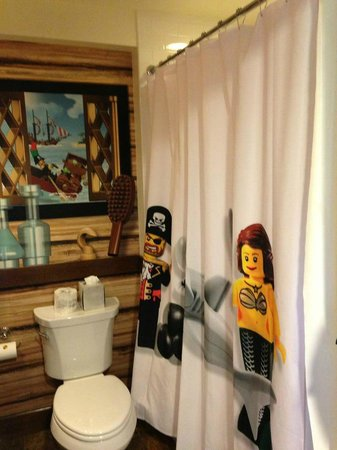 LEGOLAND California Hotel: Pirate bathroom