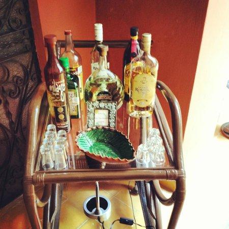 Luz En Yucatan: Bar cart