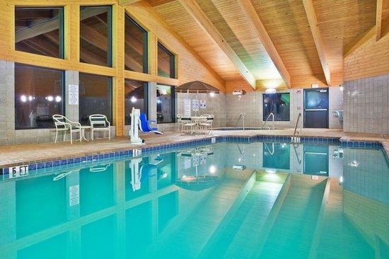 AmericInn Lodge & Suites Boiling Springs - Gardner Webb University : AmericInn Lodge & Suites Boiling Springs — Gardner Webb University