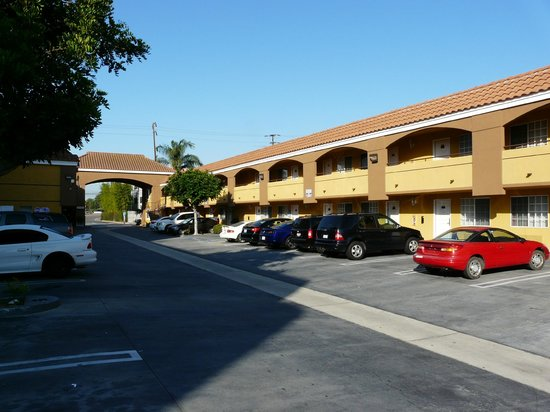 Sunburst Spa & Suites Motel: Vista del motel