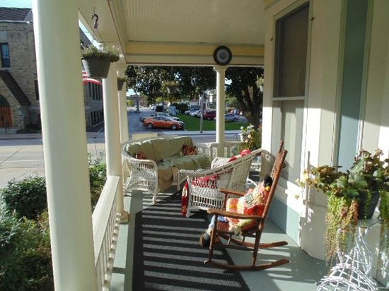 Franklin Street Inn Bed and Breakfast : porch
