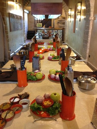 L'Atelier Madada : Preparation for the Harissa Soup and Lamb and Apple Tagine