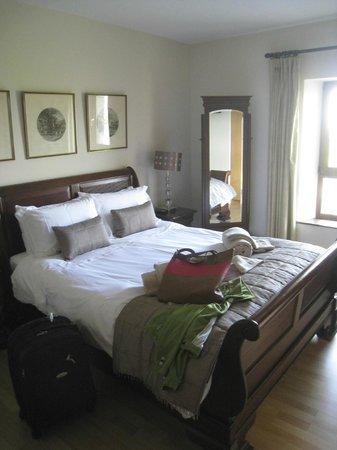 Down Yonder Luxury Bed & Breakfast: Our Room