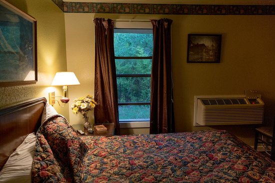 Outpost Motel Prices Amp Reviews Dripping Springs Tx
