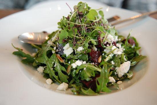 Blackbird Kitchen: Fresh and delicious beet salad