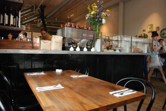 Blackbird Kitchen : Inside the restaurant