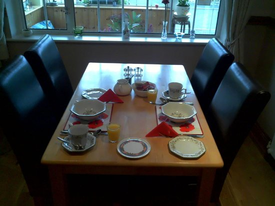 An Daingean : Table setting