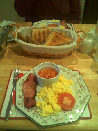 An Daingean : Another wonderful breakfast. Also available porrage, yogart, cereal and fruit.