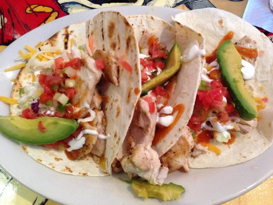 Flip Flop's Chill and Grill: Fish Tacos