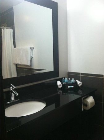 Aqua Soleil Hotel & Mineral Water Spa : Vanity in Bathroom