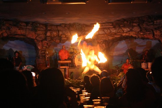 The Westin Maui Resort & Spa: Fire juggler