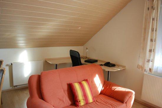 Landhotel Garni Engelhard : study room