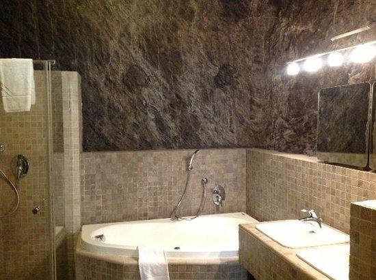 Hoffmeister & Spa: baño principal