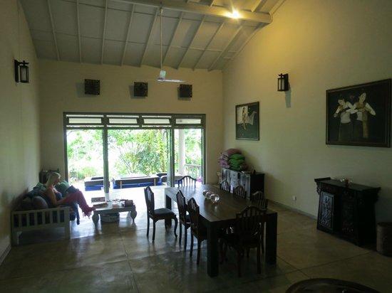 Hibiscus Villa: The main space looking towards garden