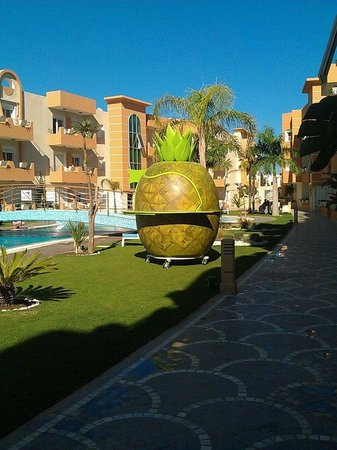 The Dunes Golf and Spa Resort: Drinks anyone