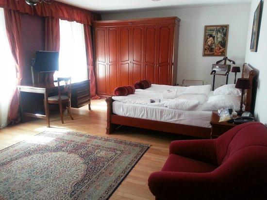 Antiq Hotel: Hotel Antiq: Room #8