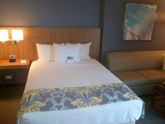 Hyatt Place Waikiki Beach: Queen Bed