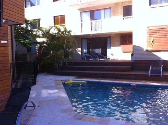 Surfers Paradise Backpackers Resort: around the hostel