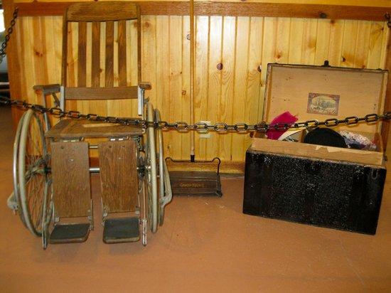 The Shack Bed and Breakfast: Inside the museum