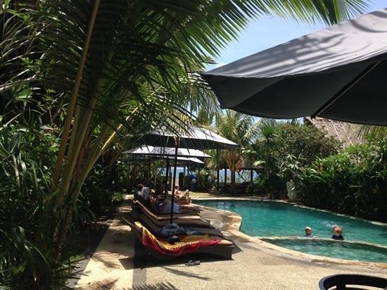 Balangan Sea View Bungalow: het zwembad