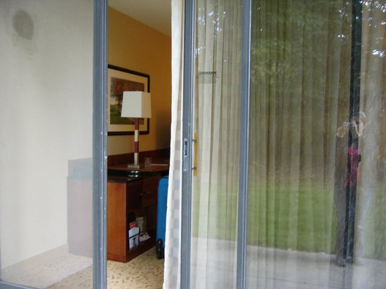 Park Ridge Marriott: porte patio de la chambre 1er étage