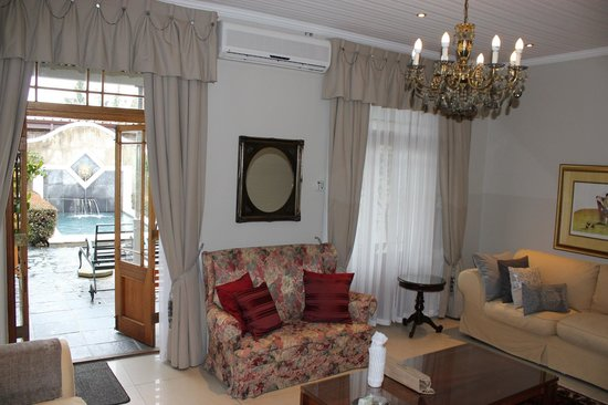 Lemoenkloof Guest House & Conference Centre: Lounge