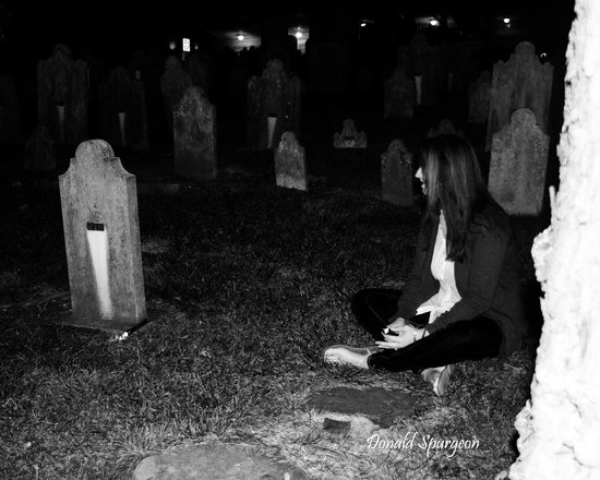 Haunted Knoxville Ghost Tours: the flash light goes on and off
