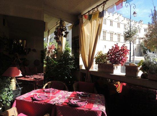 L'Ombre du Palais: Dining terrace
