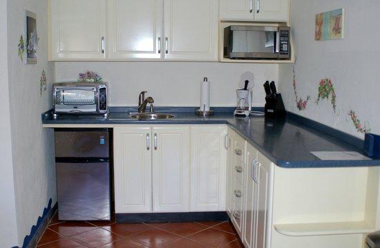 كلوب أرياس بد آند بركفاست: Kitchen