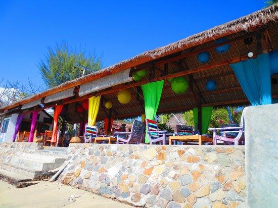 Sunrise Resort : Relaxed & breezy beachside Restaurant
