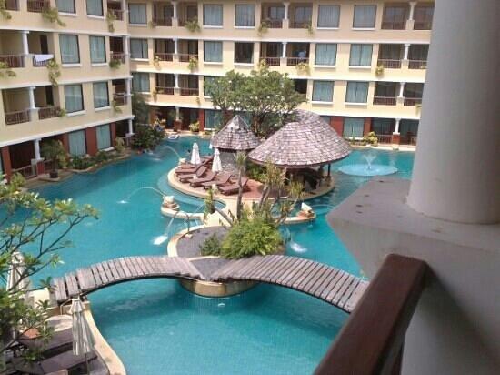 Patong Paragon Resort & Spa : pool view