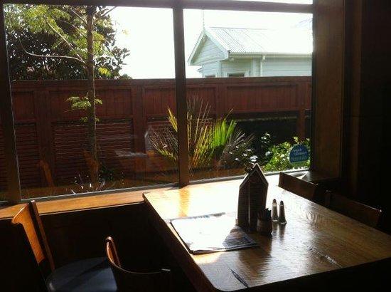 Mud Bay Cafe: A spot in the sun
