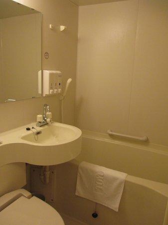 Toyoko Inn Tokushima ekimae: bathroom