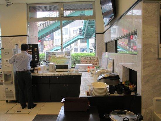 Toyoko Inn Tokushima ekimae: breakfast area