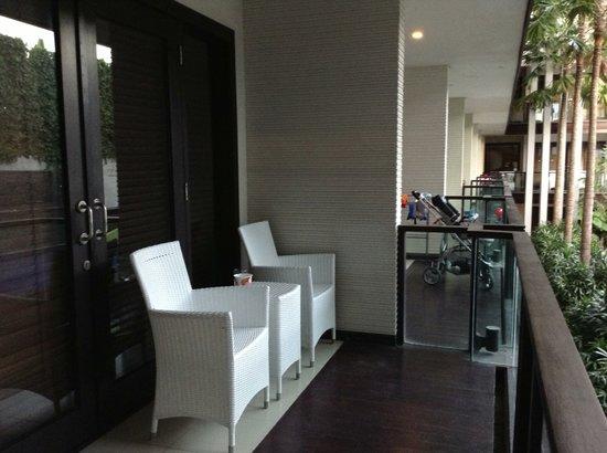 Dekuta Hotel: Balcony