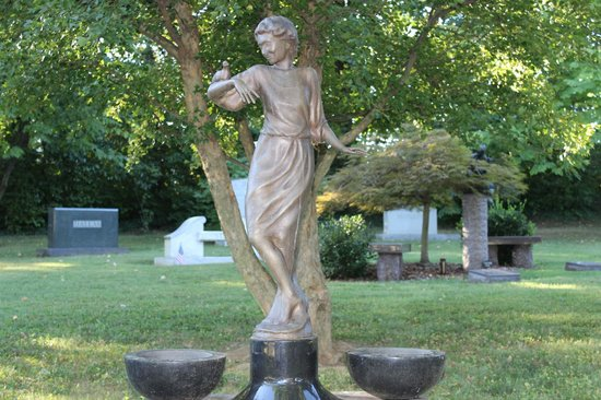 Cave Hill Cemetery: woman