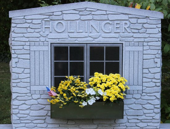 Cave Hill Cemetery: hollinger window