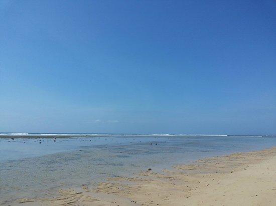 Grand Hyatt Bali: Grand Hyatt Beachfront in the morning