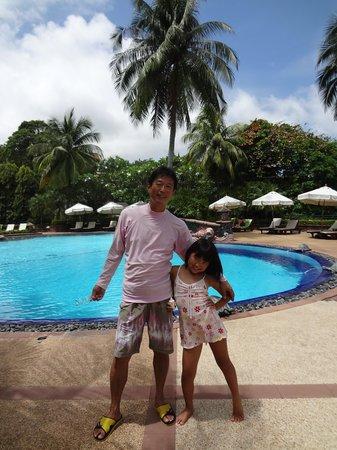 Diamond Cliff Resort and Spa: 真ん中にあるプール、ジャグジーが気持ちいい