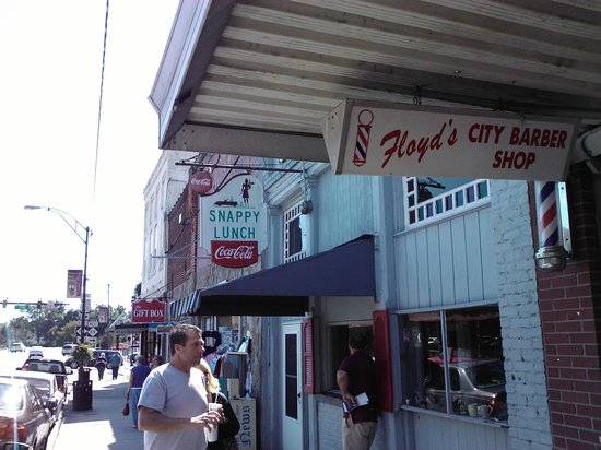 Snappy Lunch: Veiw from sidewalk in front of Floyd's Barbershop
