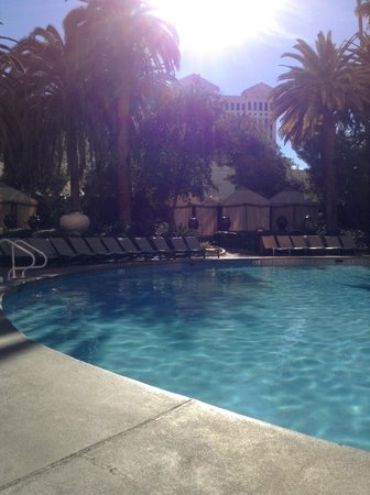 Small Pool Open In Winter Picture Of The Mirage Hotel Casino